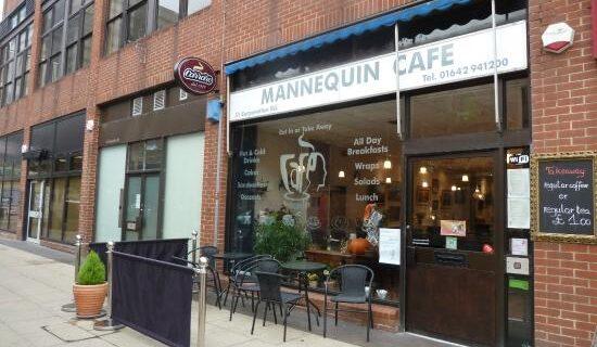 Mannequin Café